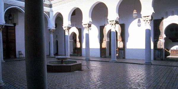 Cours intérieure du palais Dar El Mekhzen à tanger